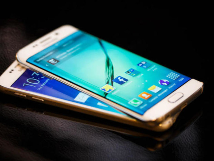 The Samsung Galaxy S6 and S6 Edge are more alike than they are different.