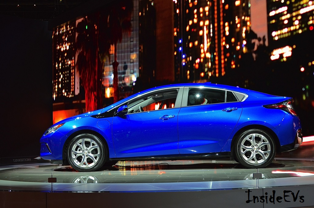 2016 chevrolet volt now has a price tag gearopen. Black Bedroom Furniture Sets. Home Design Ideas