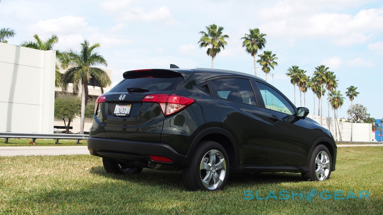 2016 honda hr v first drive the crossover that would be king gearopen. Black Bedroom Furniture Sets. Home Design Ideas