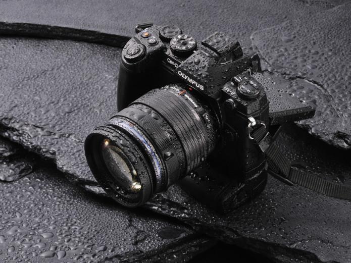 OM-D_E-M1_EZ-noir---portrait-522eec6e49a45