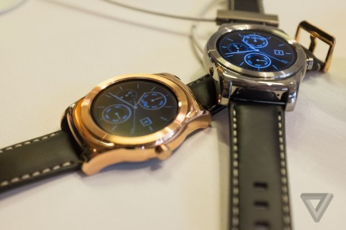 Android Wear fires back at Apple Watch
