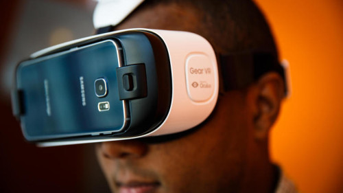 Samsung's Gear VR brings virtual reality to the Galaxy S6 and S6 Edge (hands-on)