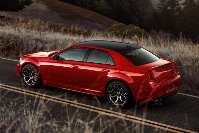 2015 Chrysler 300 first-drive – HEMI Hero