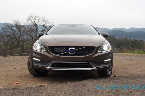 2015-volvo-v60-cross-country-12-1280×720