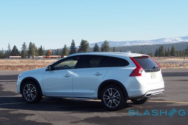2015-volvo-v60-cross-country-39-1280×642
