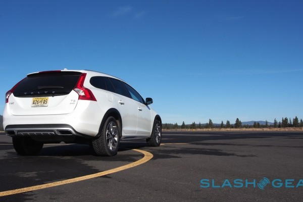 2015-volvo-v60-cross-country-42-1280×720