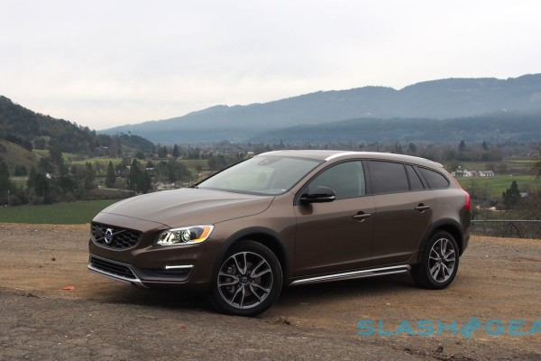 2015-volvo-v60-cross-country-9-1280×720