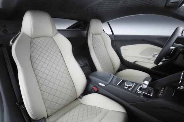2017-audi-r8-v10-front-interior-seats