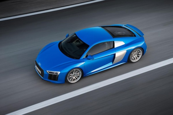 2017-audi-r8-v10-top-view-in-motion-1280×850