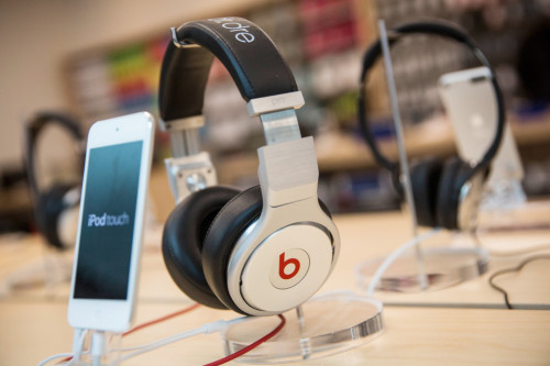 Apple nixes Monster's licensing over Beats lawsuit