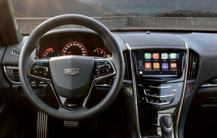 Cadillac integrates CarPlay and Android Auto into 2016 models