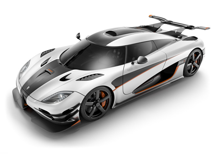 Koenigsegg One:1 decimates all in 0-300km/h-0 test