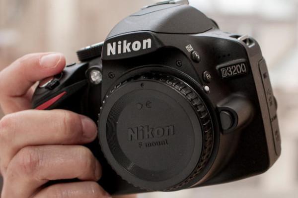 Nikon_D3200_35235087_01