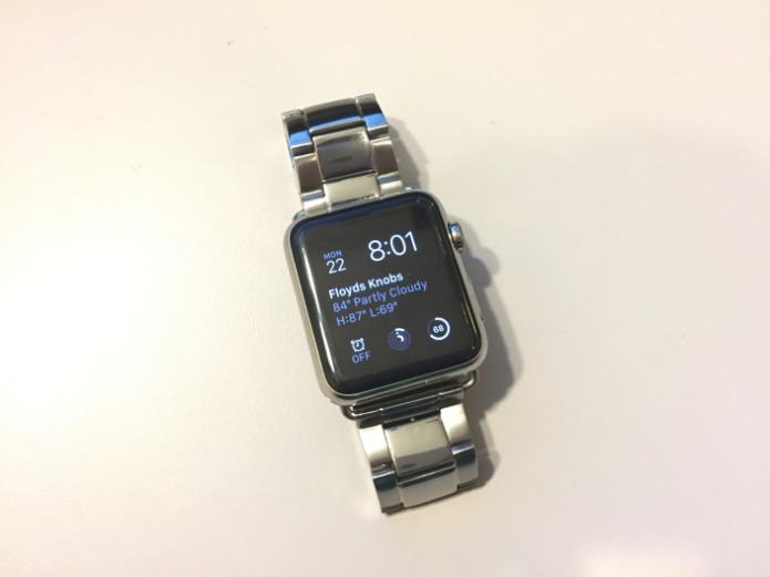 Apple Watch hacked to run Mac OS 7.5.5