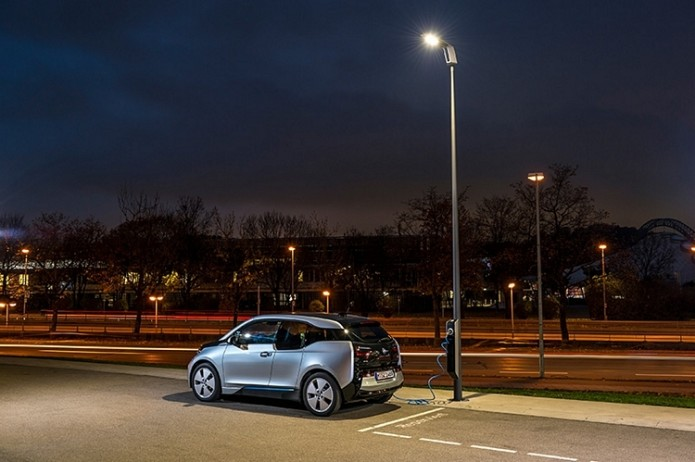 BMW Wants To Turn Street Lights Into EV Charging Stations