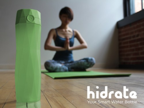 HidrateMe Smart Water Bottle keeps you hydrated