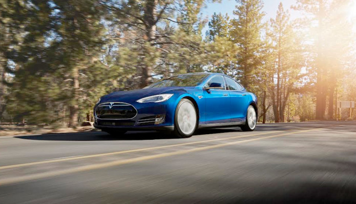 Tesla Model S drivers rack up over 1 billion miles