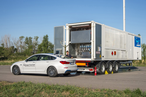 BMW Pushes Fuel-Cell Car Development With First Street Tests