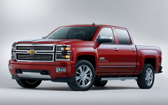 2016 Chevrolet Silverado refreshed as bear enters F-150 battle
