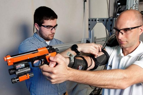 MAXFAS Exoskeleton Gives Your Shooting Hand A Super-Steady Aim