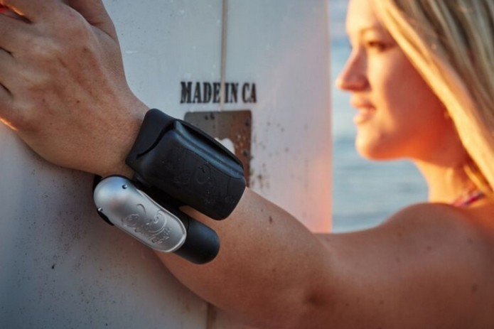 Wrist-Worn Kingii Inflates With A Tug To Keep You From Drowning