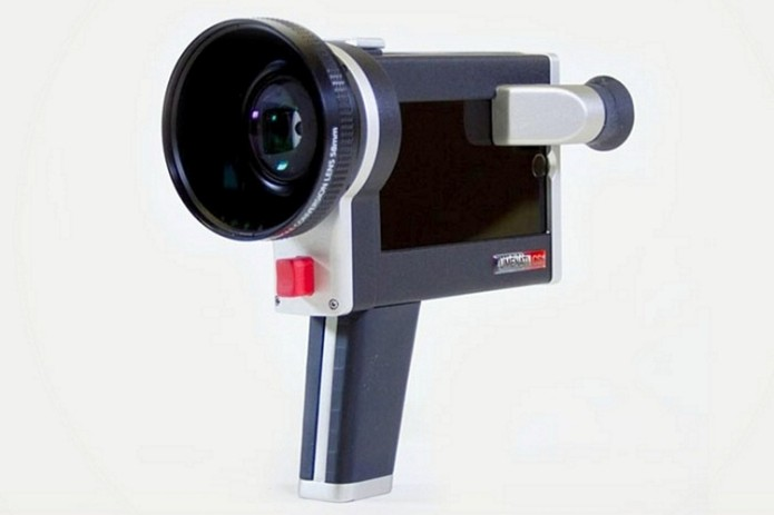 Lumenati CS1 Turns Your iPhone Into A Super 8 Camera