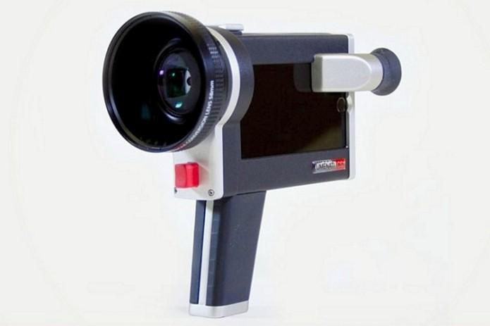 Lumenati CS1 Turns Your iPhone Into A Super 8 Camera