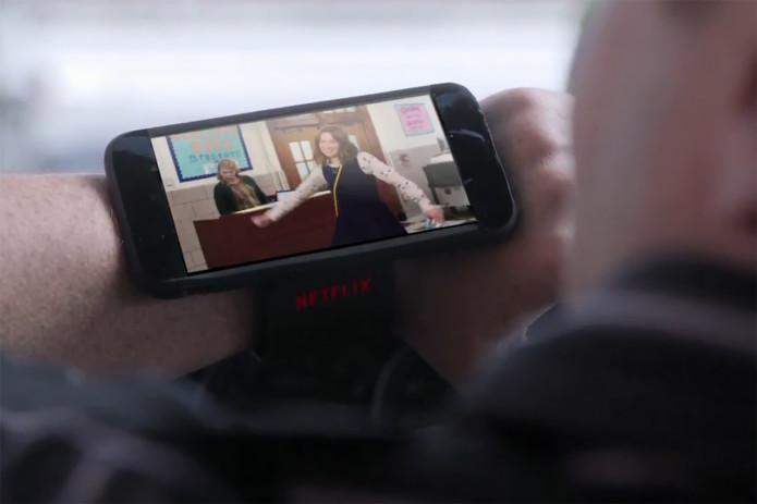 netflix-mocks-apple-watch-in-new-commercial-0