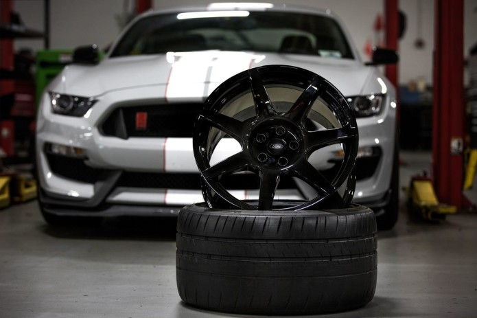 Ford gets carbon fiber wheels for Shelby 350R Mustang