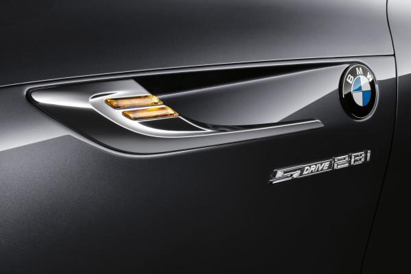 2014-BMW-Z4-008