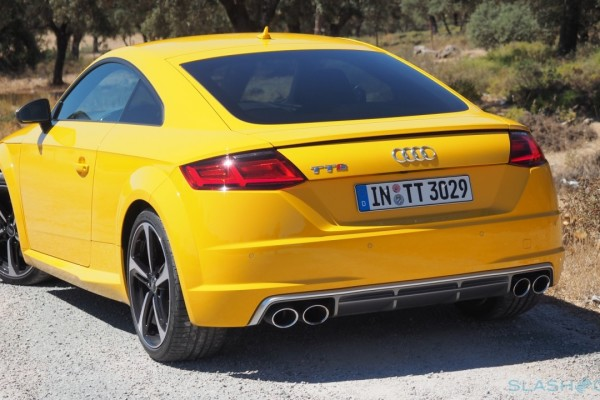 2015-Audi-TTS-European-version-11-1280×720