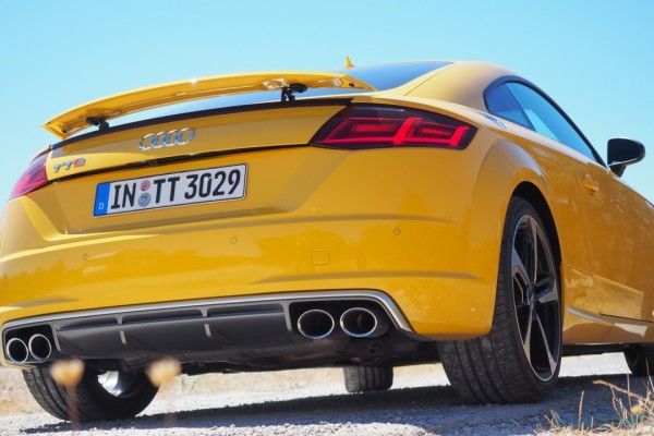 2015-Audi-TTS-European-version-15-1280×720