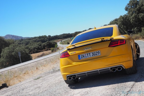 2015-Audi-TTS-European-version-19-1280×720