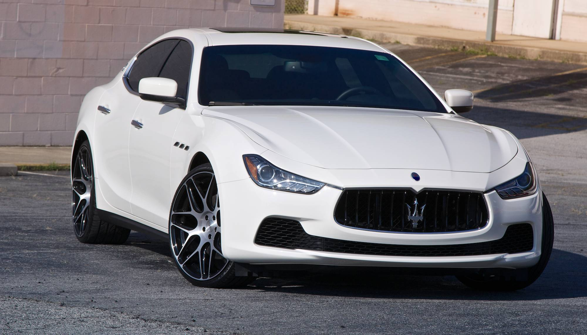 maserati ghibli : luxury sedan car review | gearopen