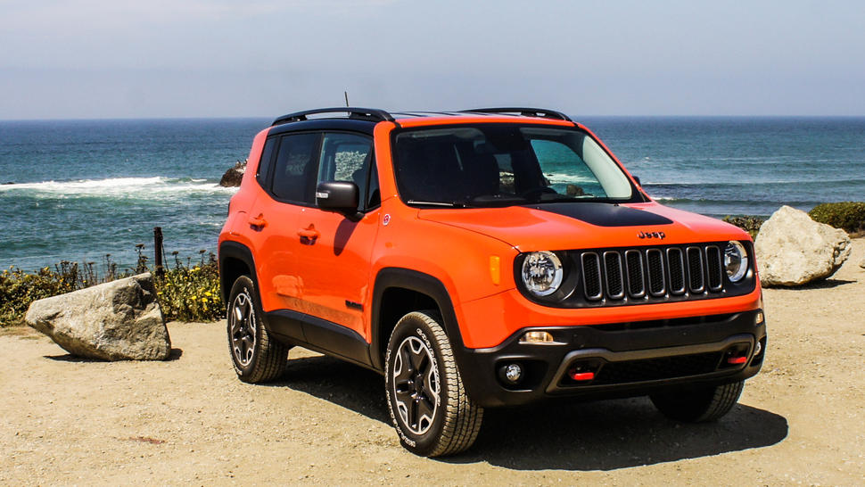 2015 jeep renegade review jeep renegade shows chops in the dirt and in the city gearopen. Black Bedroom Furniture Sets. Home Design Ideas