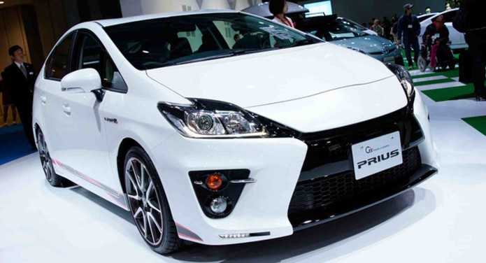 Toyota to Unveil New Prius in Hopes of Reversing Slump
