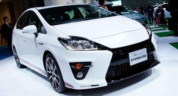 Toyota to Unveil New Prius in Hopes of Reversing Slump