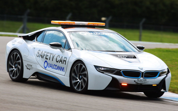 Qualcomm reveals BMW i8 Formula E safety car with wireless charging