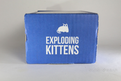 Exploding Kittens stop-motion unboxing