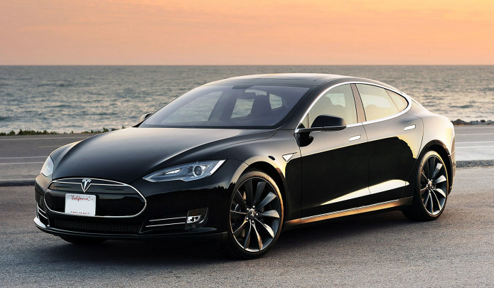 Tesla Models S P85D goes 452.8 miles on a charge