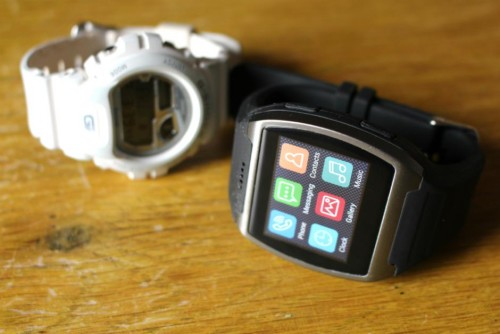 Atomic SmartWatch Review: A SmartWatch With FULL Phone Functionality