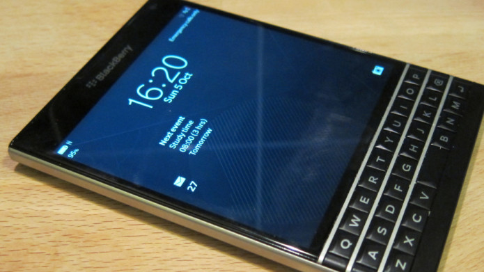 BlackBerry Passport with Android shows up in video