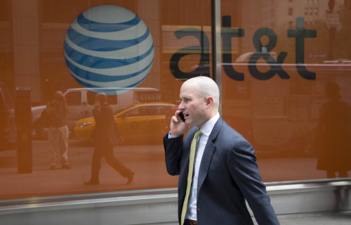 AT&T offers DirecTV customers $500 to change phone service