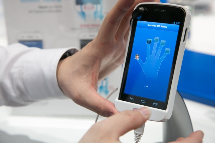 Smartphone fingerprint scanners are still not secure enough