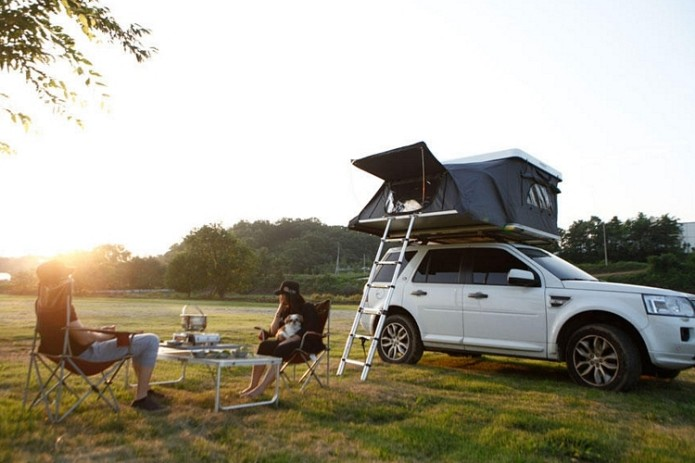 Up To Three Adults Can Sleep In iKamper's Hardtop One Rooftop Tent