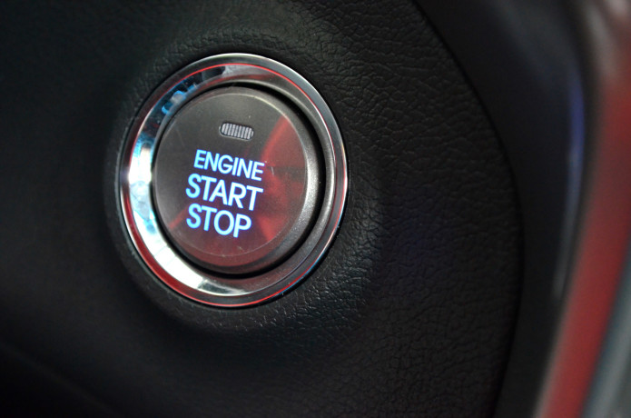 10 car makers sued over keyless ignition dangers