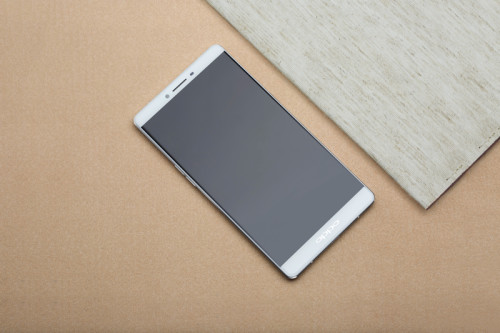 Oppo R7 Plus hits pre-order in US and Europe