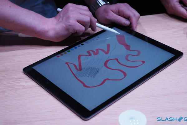 Apple-Pencil-Apple-Event-Product-hands-on-19-1280×7201