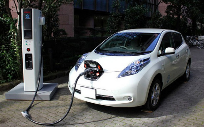Los Angeles to lease fleet of electric and hybrid vehicles
