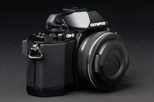Review: The Olympus OM-D E-M10 II is Solid But Has a Lackluster EVF
